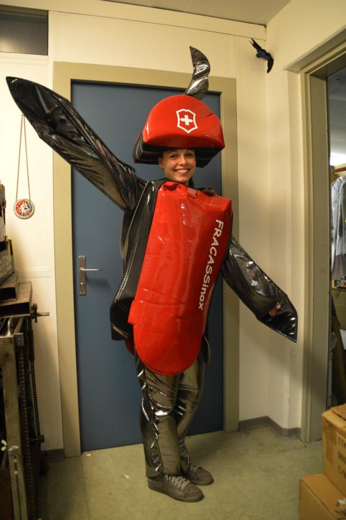 costume_coltellino_1